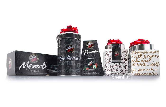 calligraphy for Christmas coffee packaging by Chen Li, 2007